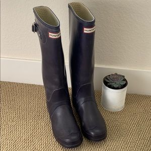 Barely worn size 39 purple tall hunter rain-boots